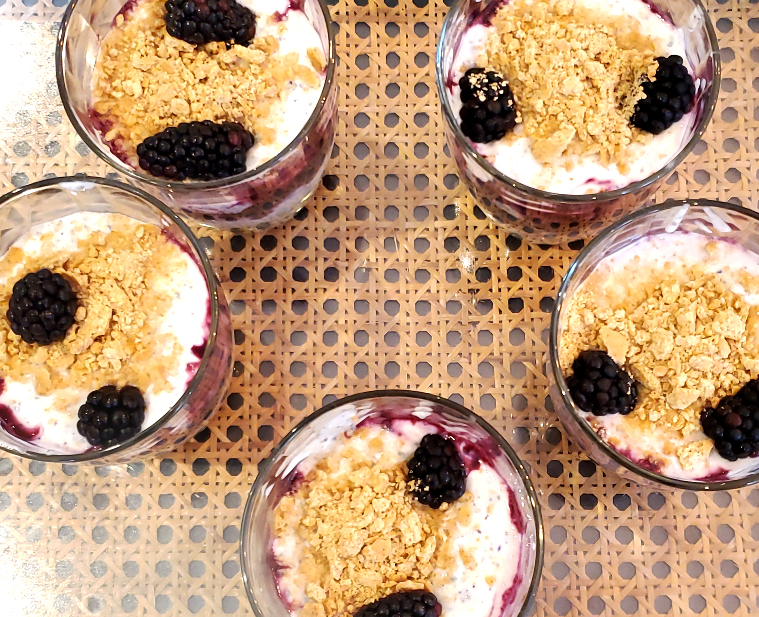 blueberry-cheesecake-parfait