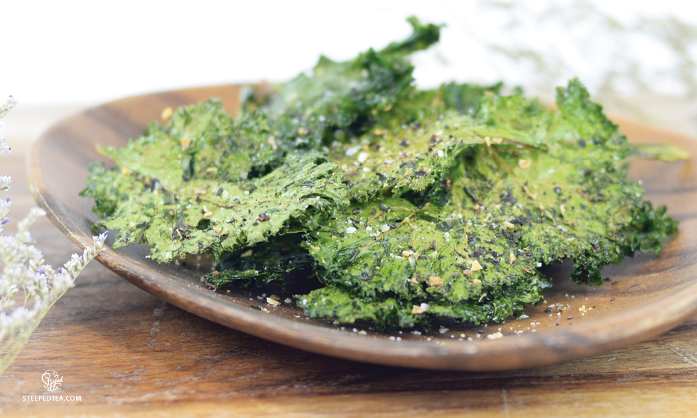 kale-chips-with-saltea-topper